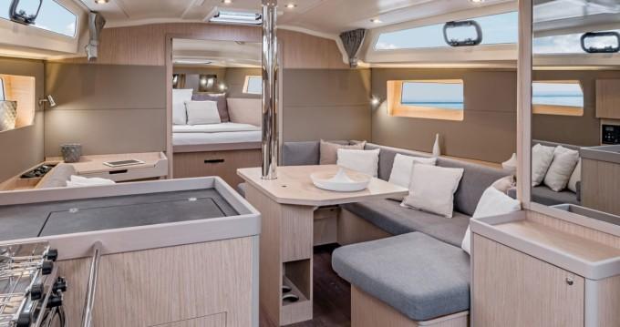 Bénéteau Oceanis 41.1 te huur van particulier of professional in Hyères