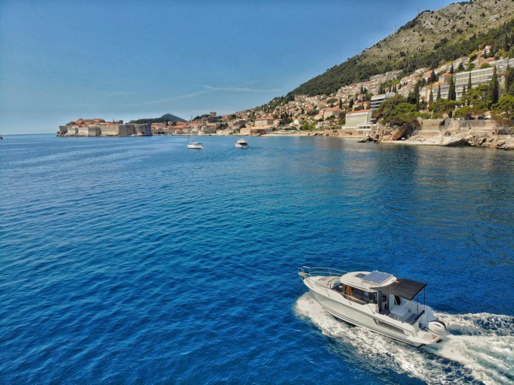 Huur een Jeanneau Merry Fisher 795 in Dubrovnik