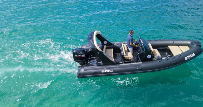 Rubberboot te huur in Brela voor de beste prijs