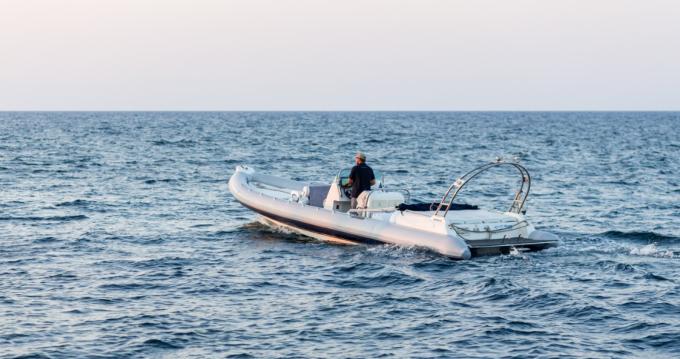 Huur Rubberboot met of zonder schipper Cobra in Chania