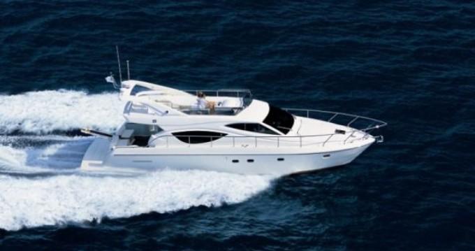 Huur Motorboot met of zonder schipper Ferretti in Marseille