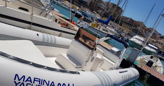 Verhuur Rubberboot Tecno  met vaarbewijs