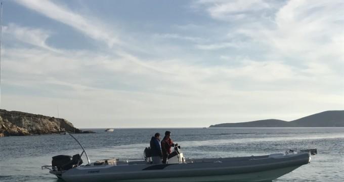 Rubberboot te huur in Kýthnos voor de beste prijs