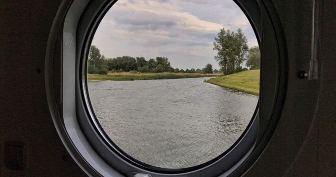 Woonboot te huur in Werkendam voor de beste prijs