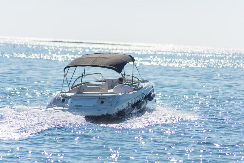 Huur Motorboot met of zonder schipper Starcraft in Poreč