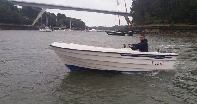 Verhuur Motorboot in Bono - Crescent 450 WINTER