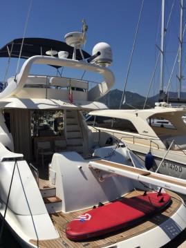 Bootverhuur Cagliari goedkoop Aicon 56 Fly