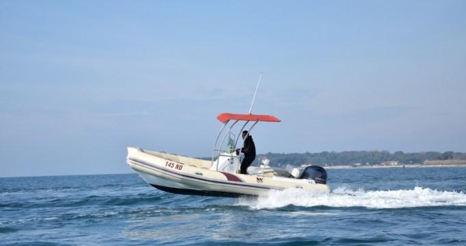 Rubberboot te huur in Novigrad voor de beste prijs