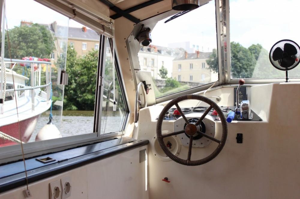 Bootverhuur Connoisseur C1135 in Nantes via SamBoat