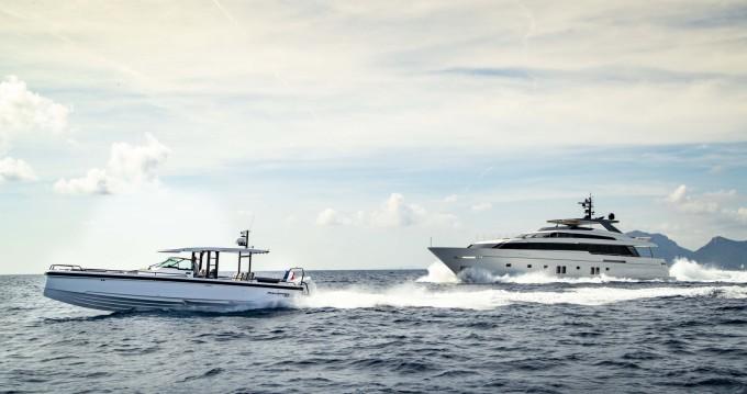 Verhuur Motorboot Axopar met vaarbewijs