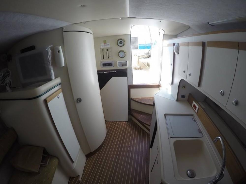 Jachthuur in Nafpaktos - Cruisers Rogue 2670 via SamBoat
