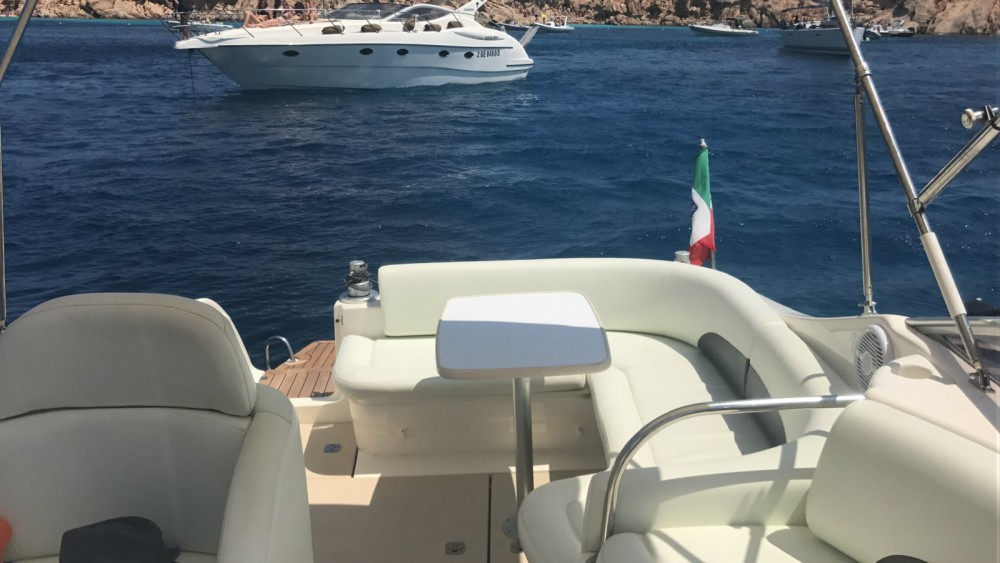Verhuur Motorboot in Cannigione - Cranchi Zaffiro 28