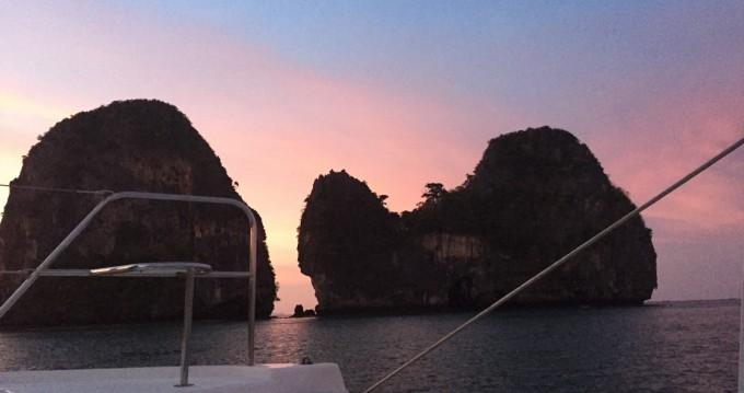Huur Catamaran met of zonder schipper Robertson and Caine in Phuket