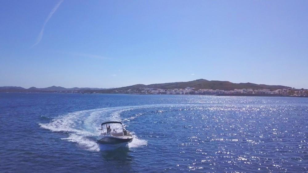Motorboot te huur in es Migjorn Gran voor de beste prijs