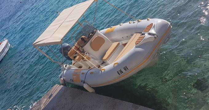 Verhuur Motorboot in Hvar - Flyer 575