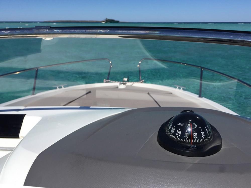 Bootverhuur Jeanneau Cap Camarat 650 in Ibiza via SamBoat
