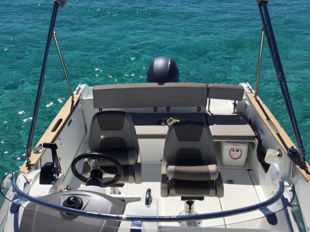 Bootverhuur Ibiza goedkoop Cap Camarat 650
