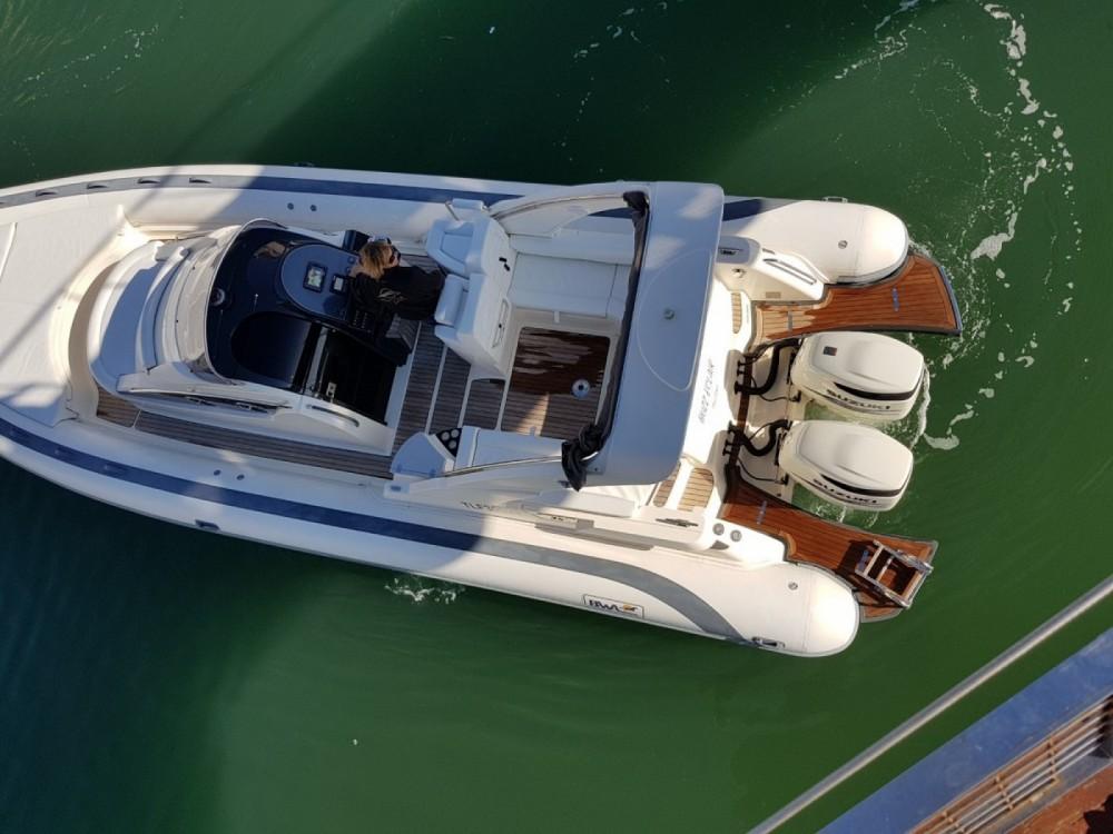 Verhuur Rubberboot Bwa met vaarbewijs