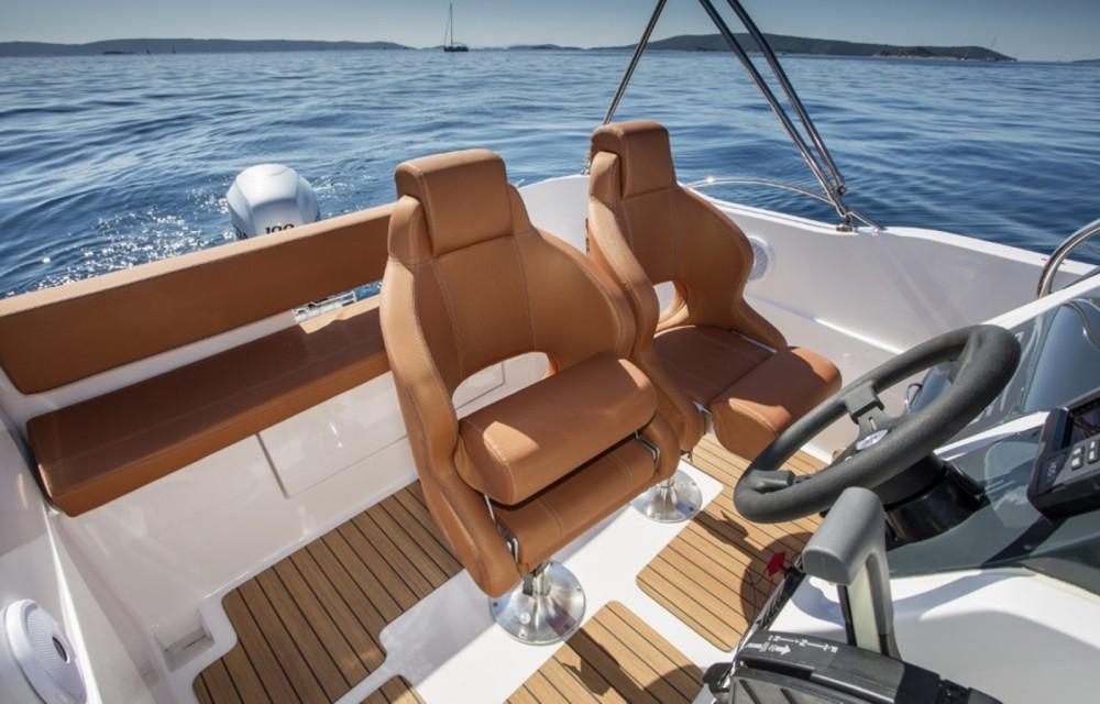 Motorboot te huur in Dubrovnik voor de beste prijs