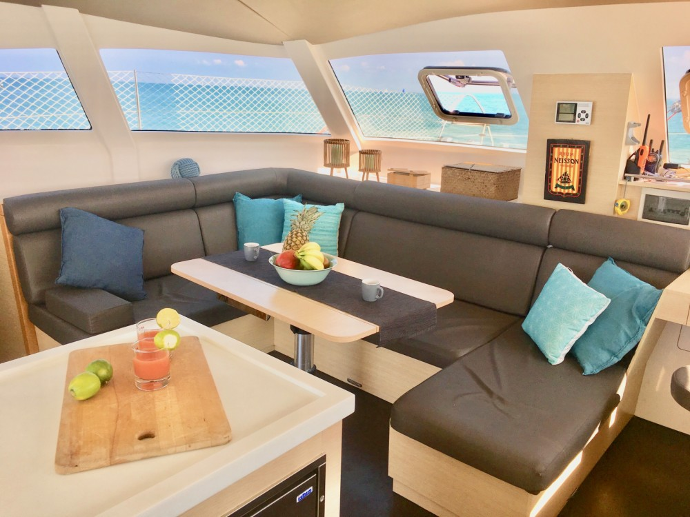 Verhuur Catamaran Aventura met vaarbewijs