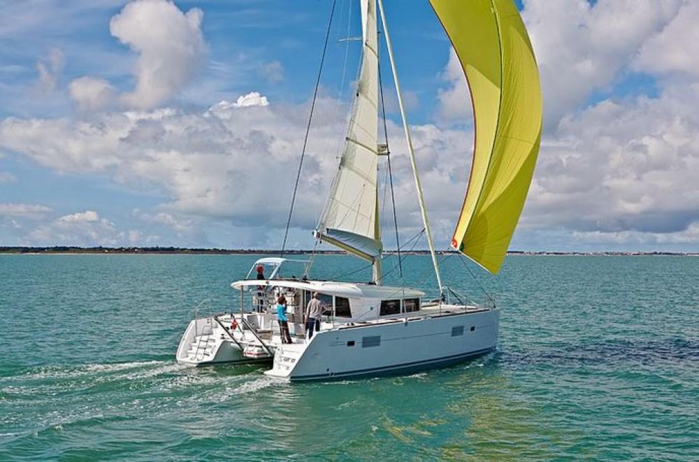 Bootverhuur Seget Donji goedkoop Lagoon 400 S2 - 4 + 2 cab.