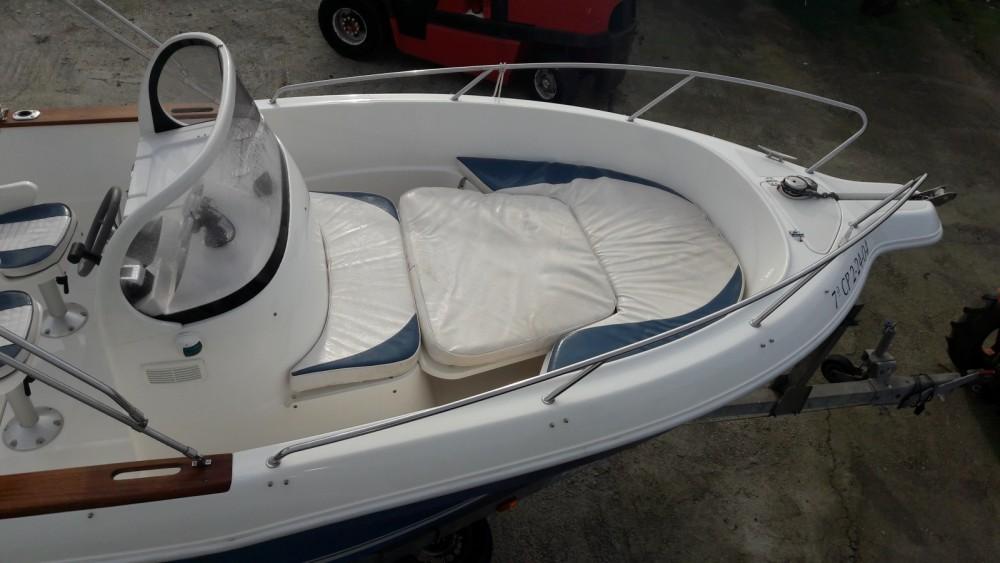Motorboot te huur in Vilaboa voor de beste prijs