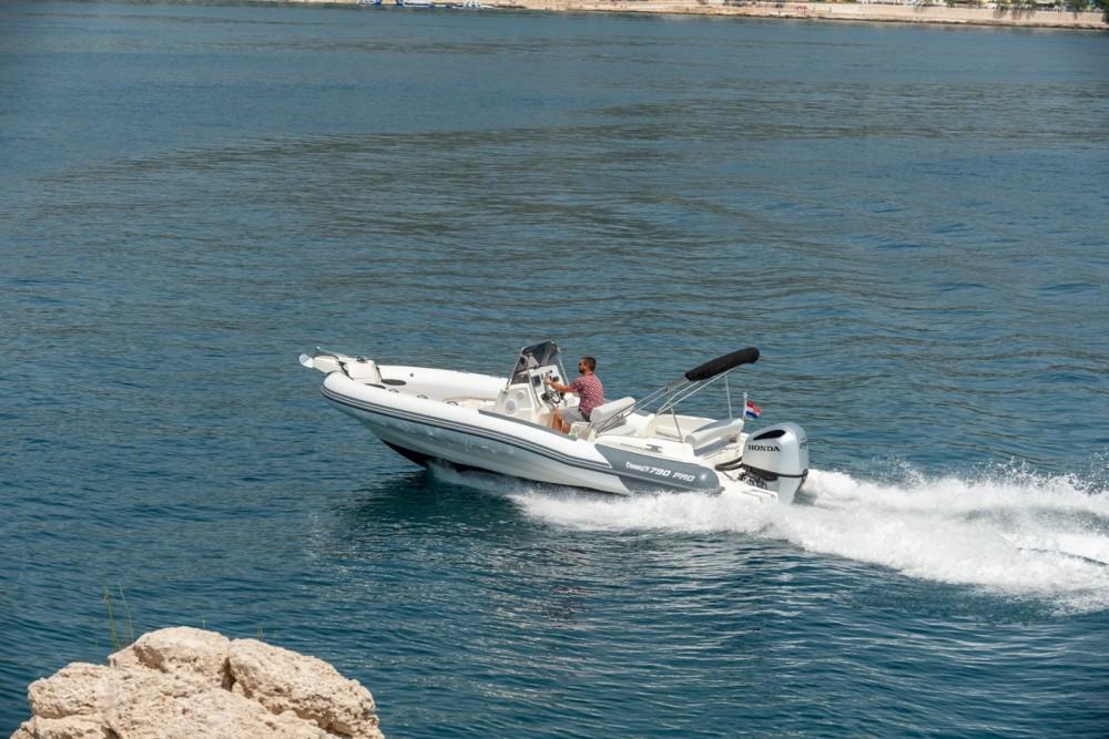 Jachthuur in Trogir - Marlin Boat 790 Pro Dynamic via SamBoat
