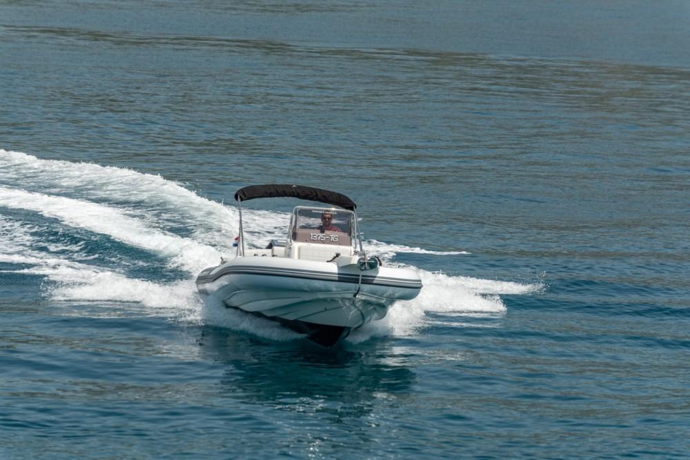 Marlin Boat 790 Pro Dynamic te huur van particulier of professional in Trogir