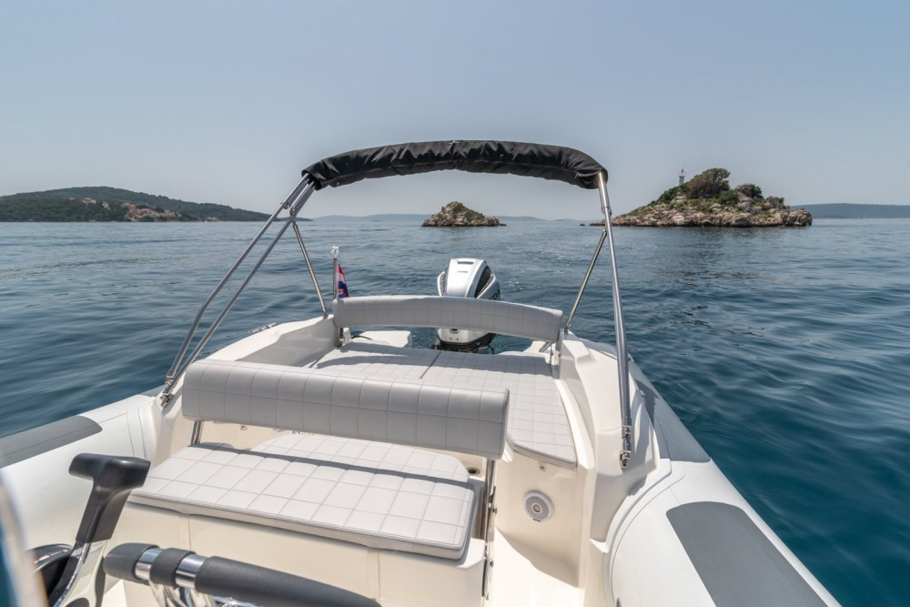 Bootverhuur Marlin Boat 790 Pro Dynamic in Trogir via SamBoat