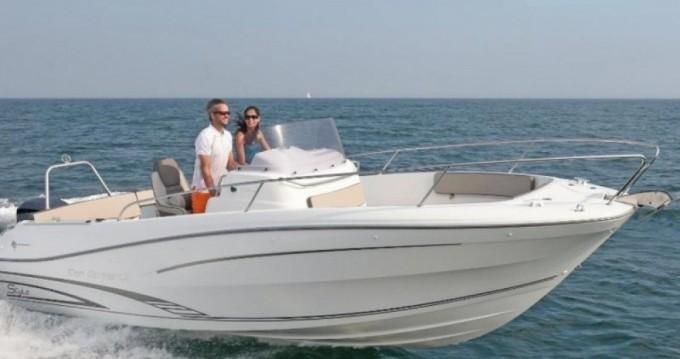 Verhuur Motorboot in Le Grau-du-Roi - Jeanneau Cap Camarat 7.5 CC Style