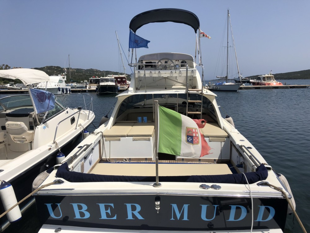 Bootverhuur Bertram 31 in Porto Pozzo via SamBoat