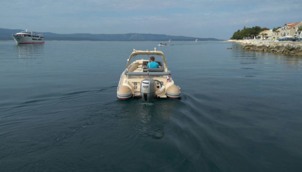 Bootverhuur Solemar B 58 offshore in Bol via SamBoat