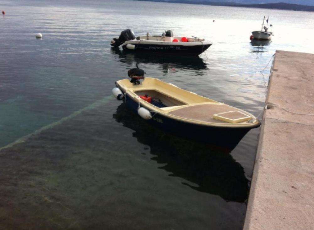 Huur een Beach boat Mila in Bol