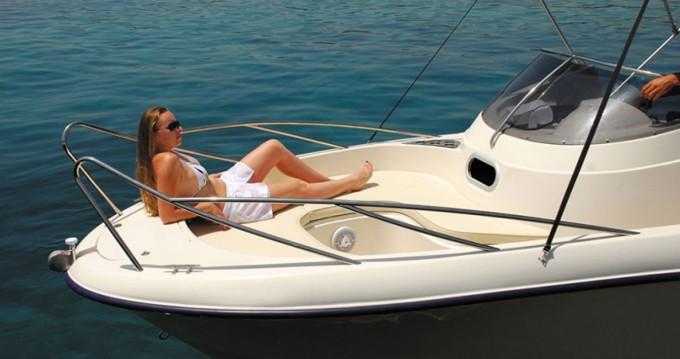 Poseidon Bluewater 6.40 te huur van particulier of professional in Zakynthos