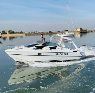 Verhuur Motorboot in Lisbon - Jeanneau Leader 650