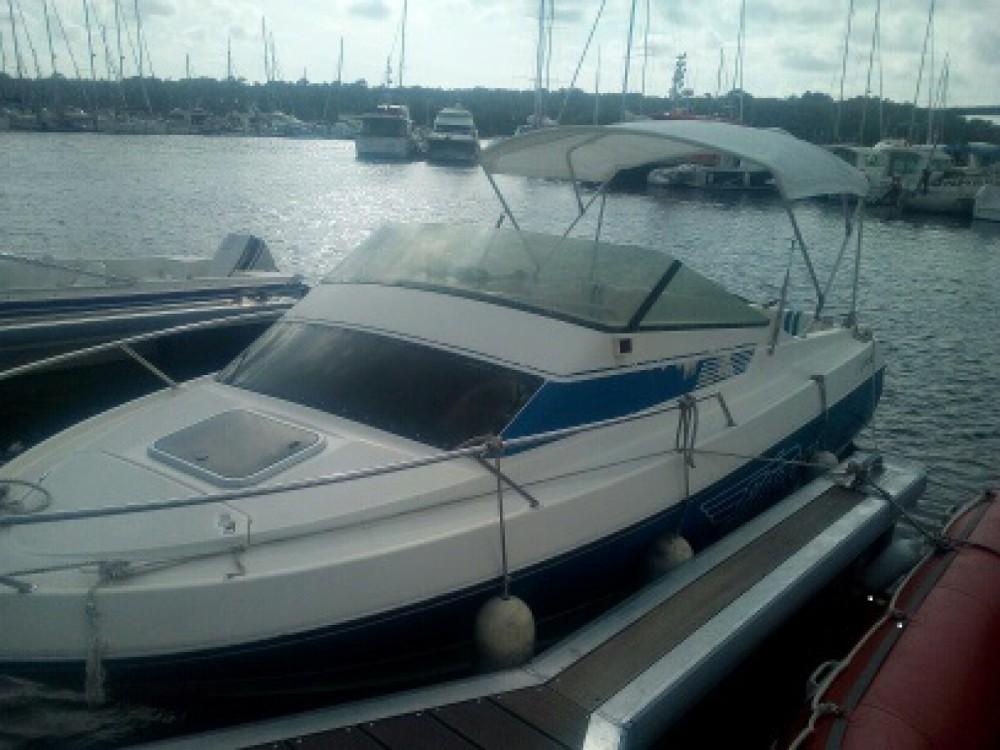 Motorboot te huur in Pont-l'Abbé voor de beste prijs