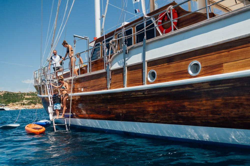 Zeilboot te huur in Sardinië voor de beste prijs