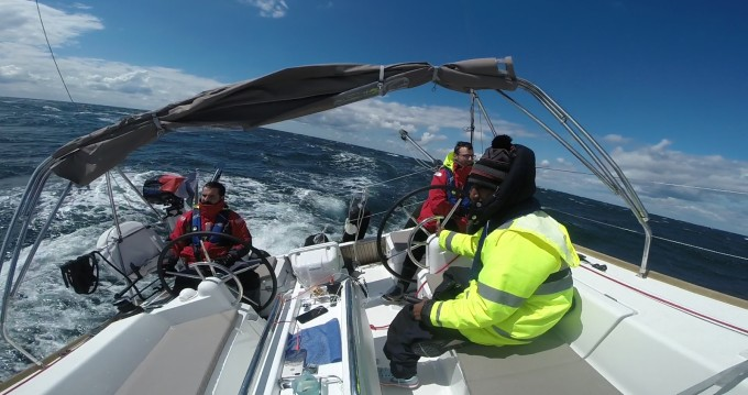 Verhuur Zeilboot in La Rochelle - Jeanneau Sun Odyssey 389