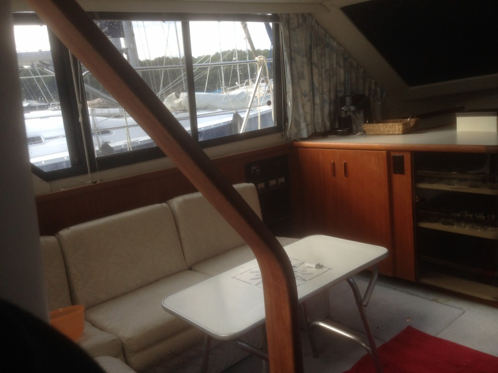 Jachthuur in Pula - Carver 350aft cabin via SamBoat