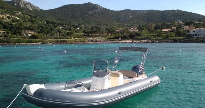Rubberboot te huur in L'Île-Rousse voor de beste prijs