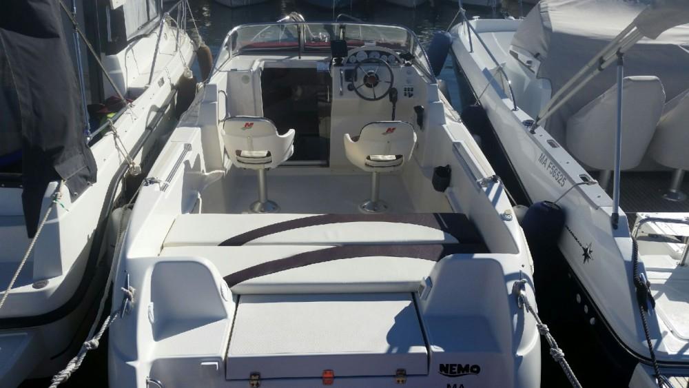 Huur Motorboot met of zonder schipper Quicksilver in Marseille