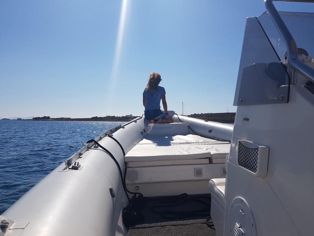 Huur Rubberboot met of zonder schipper Scorpion in Parikiá