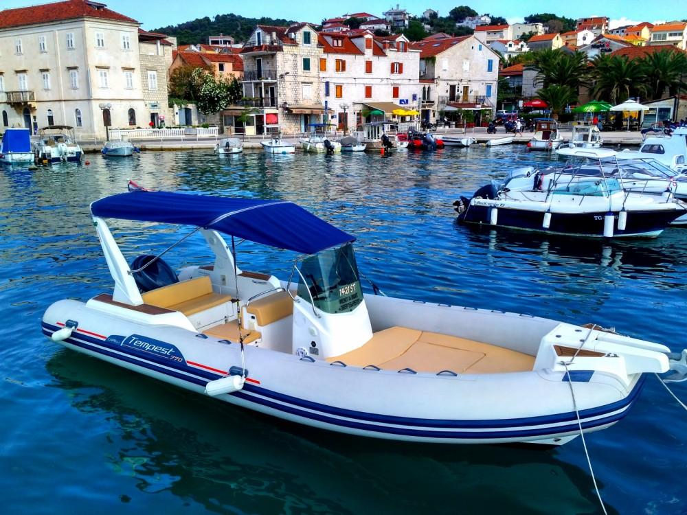 Jachthuur in Trogir - Capelli Tempest 770 Sun via SamBoat
