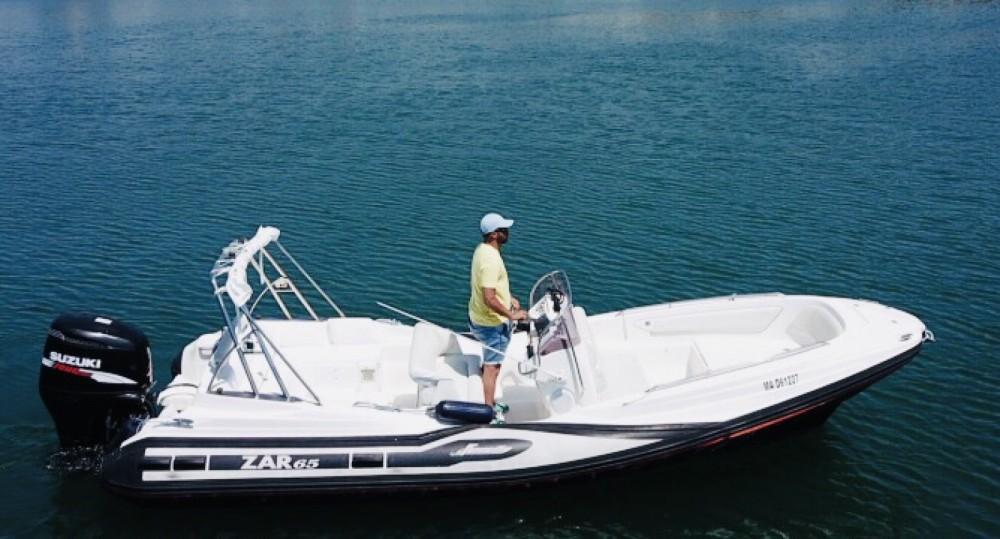 Verhuur Rubberboot Zar Formenti met vaarbewijs