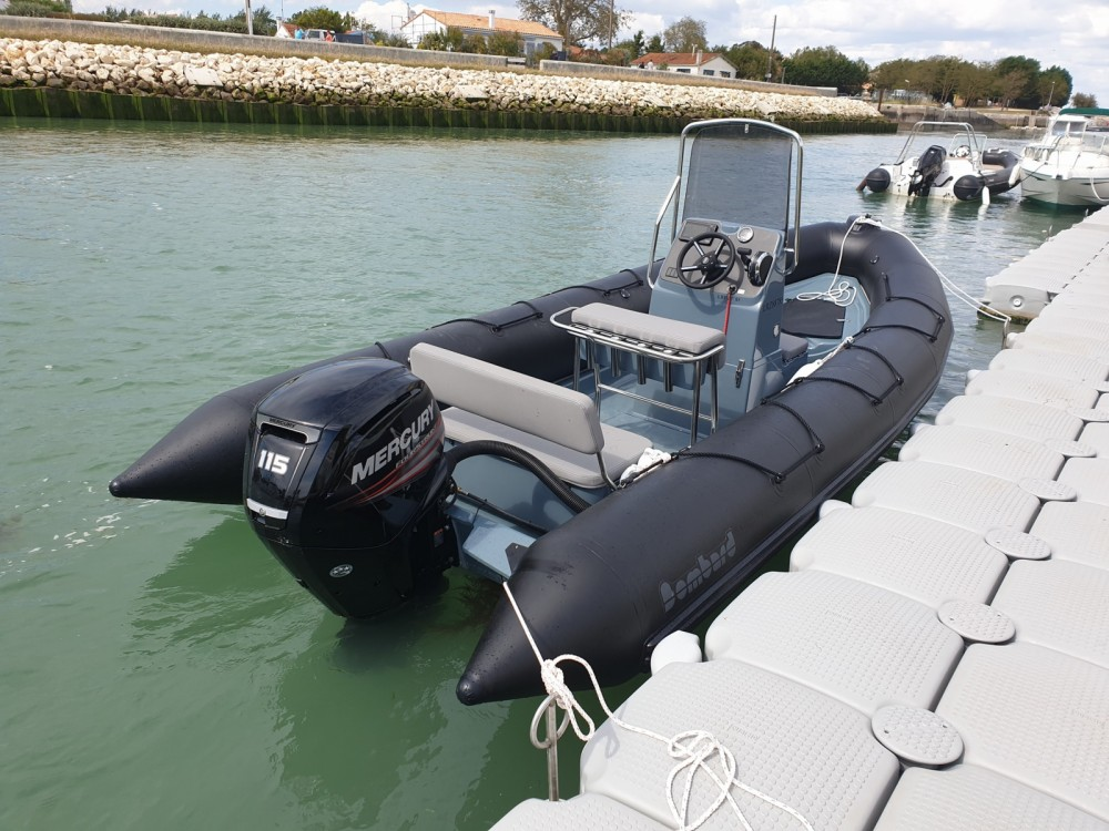 Bombard Explorer 600 te huur van particulier of professional in La Flotte