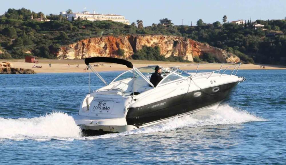 Huur een Monterey 250 in Setúbal