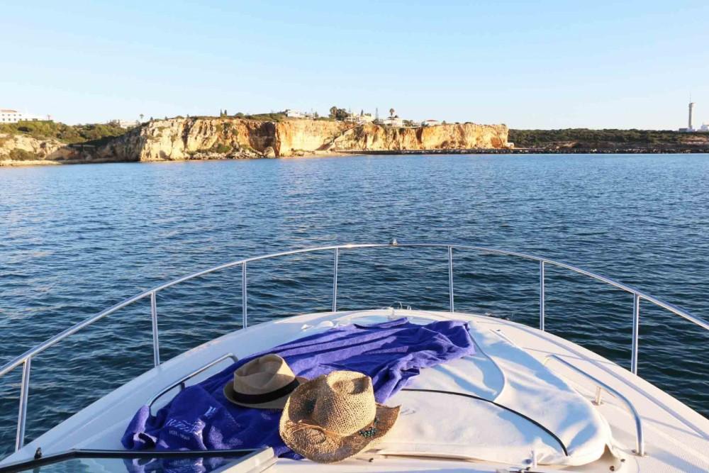 Bootverhuur Monterey 250 in Setúbal via SamBoat