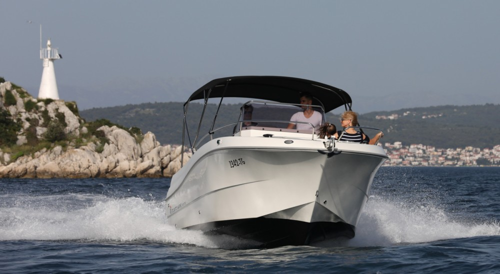 Bootverhuur Atlantic atlantic 750 in Trogir via SamBoat