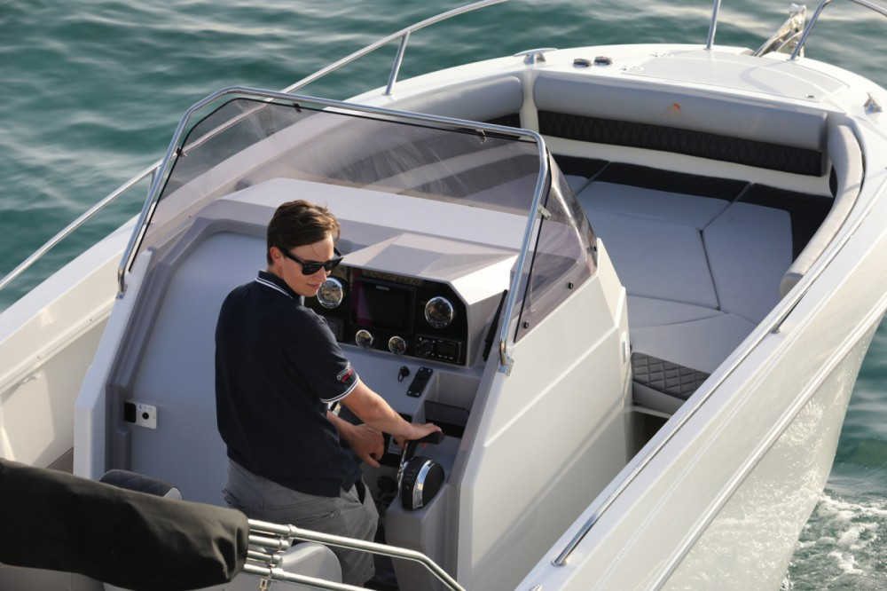 Bootverhuur Atlantic atlantic 750 in Trogir via SamBoat