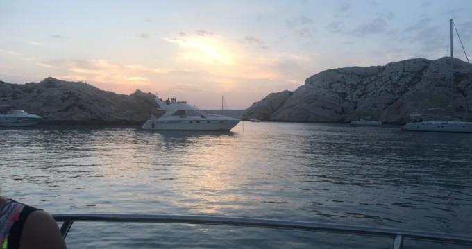 Verhuur Motorboot Aquabat met vaarbewijs